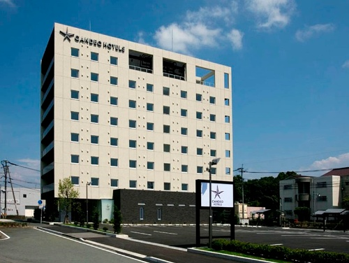 カンデオホテルズ第1号の菊陽熊本空港店。同ホテルは創業の頃、大都市の地価は高額だったため、ホテルの需給ギャップがあり、かつ比較的土地を手当しやすい場所から開業していった