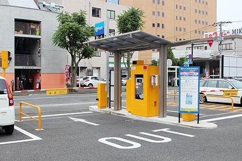 アマノでは駐車場ゲートシステムも製造販売している。写真は一般的なシステム。ほかに駐輪場のシステムや有料道路向けなども手掛けている