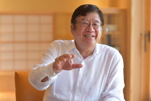 <b>大林豁史(おおばやし・ひろふみ)氏</b>: 1944年東京都生まれ。69年東京大学経済学部卒業後、日興証券を経て、73年ショウサンレストラン企画を設立(78年に日本レストランシステムに社名変更)、79年に社長、2005年会長。07年にドトールコーヒーと経営統合し、ドトール・日レスホールディングス会長に就任、現在は、ドトール・日レスホールディングス会長、子会社の日本レストランシステム会長兼社長。(写真・菊池一郎、以下同)