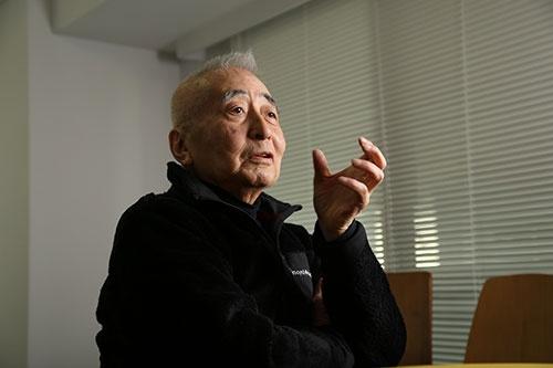 <b>丸山 茂雄(まるやま・しげお)氏。</b><br/>1941年8月、東京都生まれ。66年早稲田大学商学部卒業後、読売広告社に入社。68年CBS・ソニー(現ソニー・ミュージックエンタテインメント)入社。88年にCBS・ソニーグループ取締役。92年にCBS・ソニーがソニー・ミュージックエンタテインメント(SME)に社名変更し、SME副社長に。93年にソニー・コンピュータエンタテインメント(現ソニー・インタラクティブエンタテインメント)を、SMEとソニーの合弁で設立し、副社長に就任。97年にSME副会長。98年2月にSME社長に就任。1999年にSCE副会長。2000年12月にSMEJ取締役へ退く。2001年にSCE会長。2002年にSMEを退職し、SCE取締役へ退く。2007年にSCE取締役を退任(撮影:陶山 勉、以下同)