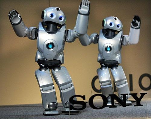 商品化が見送られたソニーのQRIO(写真:ロイター/アフロ)