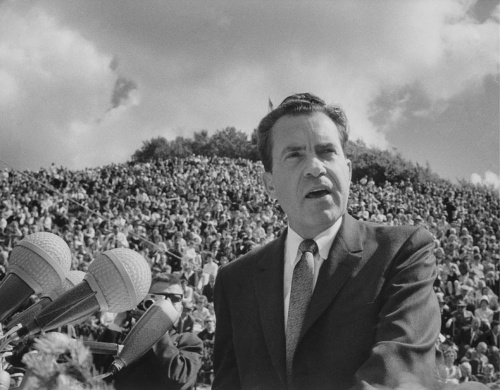 リチャード・ニクソン氏。写真は第37代米国大統領就任7年前、1962年のもの(TopFoto/アフロ)