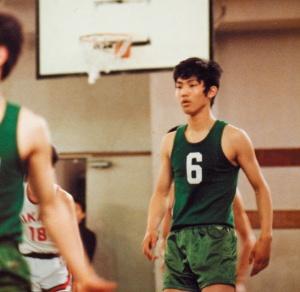 高校のバスケットボール部では荒っぽいプレーばかりしていた