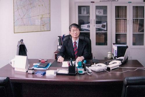 道脇氏の良き理解者であり、世の中に引きずり出してくれた張本人でもある岩さんこと、岩渕正詔氏。