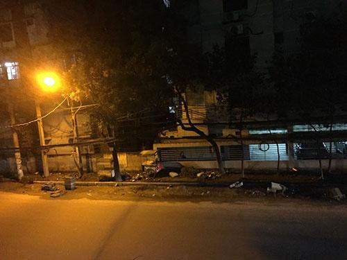 事件直後のダッカの様子(事件直後のホテルから撮影)。普段は人であふれる中心街が無人に