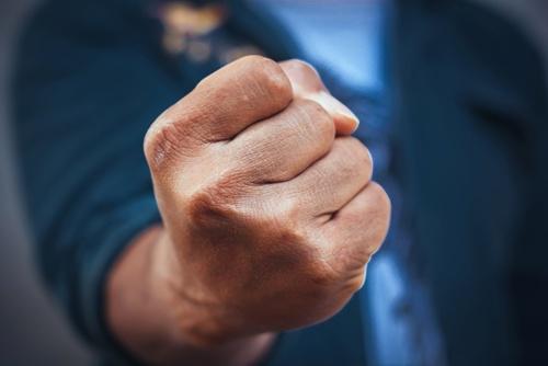 御用学者からの「出産基金」提言に国民からは強烈な反発の声があがった(写真:Shutterstock)