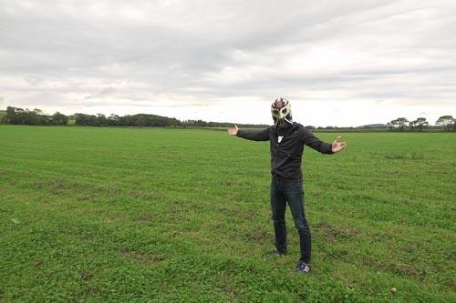 広大でフラットな大草原。北海道の牧草地というと、こんなイメージだろう。