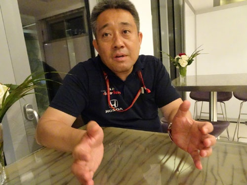 山本雅史モータースポーツ部長。