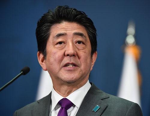 安倍首相の答弁で法案の問題点に再び注目が集まるようになった(写真: PA Photos/amanaimages)