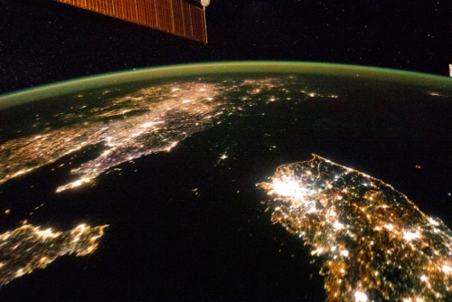 世界人口の80%は、電気にアクセスできている
