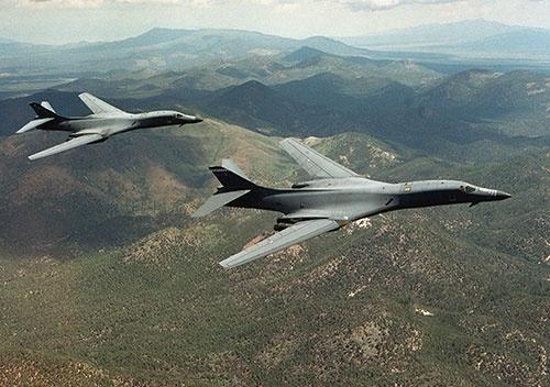 韓国に派遣された米爆撃機「B-1B」の同型機(U.S. Air Force/ロイター/アフロ)