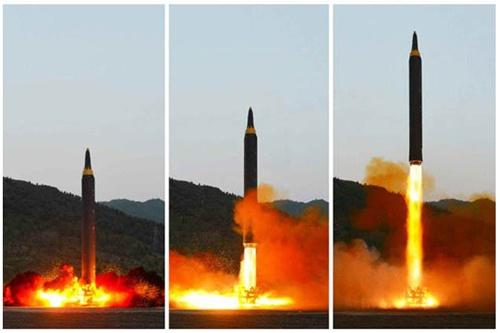 5月14日に発射された火星12型(朝鮮労働党機関紙の労働新聞web版より)