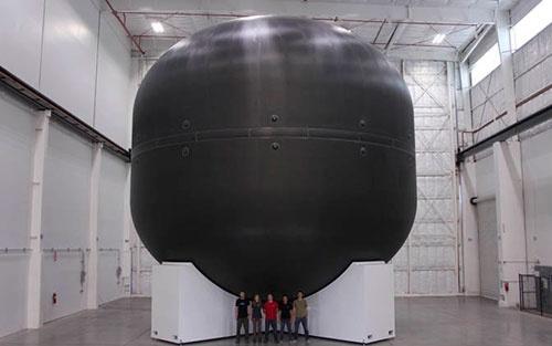 インタープラネタリー・トランスポート・システム向けの炭素複合材料製タンクの試作品(画像:スペースX)