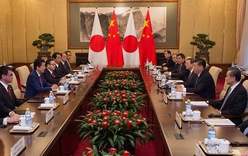 10月26日に開催された日中首脳会談(写真:代表撮影/ロイター/アフロ)