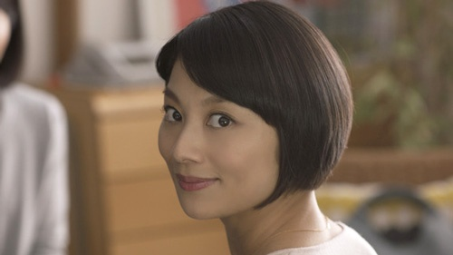 小池栄子さんが出演する「ENEOSでんき」のCM(JXエネルギーホームページより)