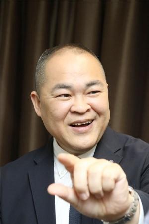 JALでHoloLensプロジェクトリーダーを務める速水孝治氏は「ホロレンズを使えば、質の高い訓練ができる」と語る(写真:北山 宏一)