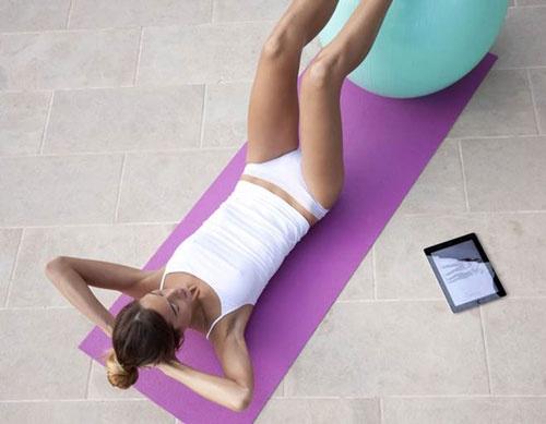 尿失禁を治療するためのトレーニング用ビデオがあり、量などに応じて最適なトレーニングを提案する。