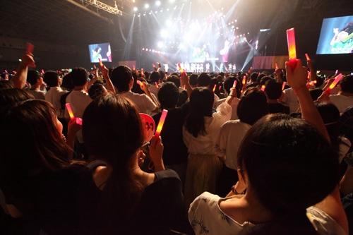バイトルAKBスペシャルライブで盛り上がるディップの内定者(撮影:北山宏一)