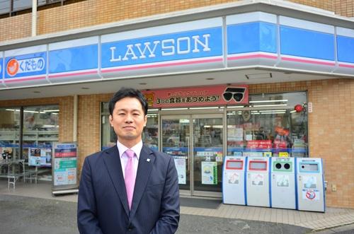 イージスリテイリングの三木さん。コンビニ歴25年。現在は東京都江戸川区などで17店舗を運営する(9月末、東京都江戸川区)