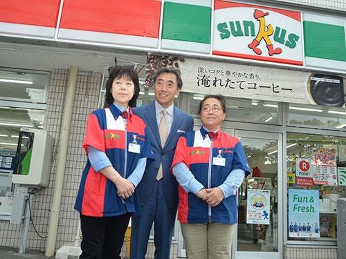 もちろんサンクスも訪問した。この店舗は2017年2月にファミリーマートに転換する予定。