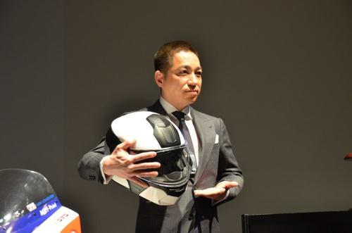 ジャパンディスプレイの伊藤嘉明常務執行役員