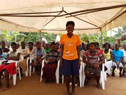 女子同士の学び合い、助け合い、成長について力強く語ってくれた(ウガンダにて筆者撮影)