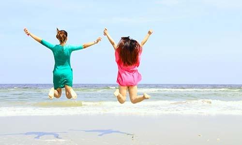 フランス人、スペイン人、イタリア人などには長期休暇を取ることが浸透している。しかし、日本人は仲間に迷惑がかかるために休むことをためらう傾向があるようだ