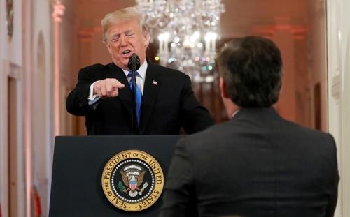 トランプ大統領は、FRBを公然と批判している(写真=ロイター/アフロ)