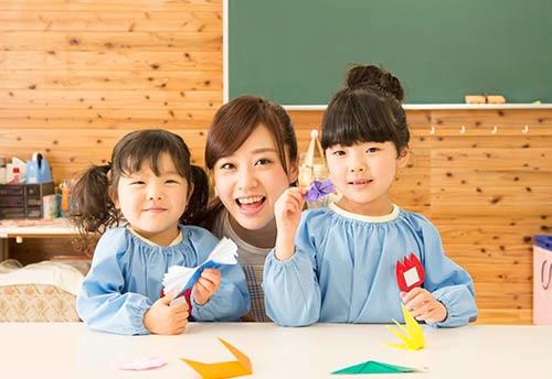 教育分野への投資が重要なのは異論はないが、「無償化」より待機児童問題の解消を早くしてほしいと言う切実な声も。(写真:PIXTA)