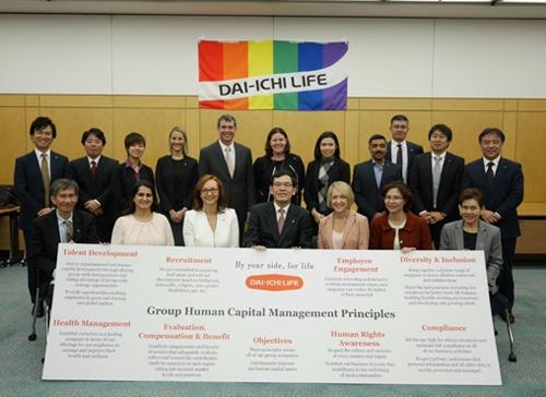 海外グループ各社の実務担当者が一堂に集まるグローバル・マネジメント・カンファレンスを部門ごとに開催する