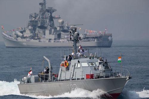 インドが15年ぶりに国際観艦式を主催した(写真:AP/アフロ)