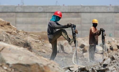 スリランカのインフラ開発において、ハンバントタ港の開発は罠となる(写真:ロイター/アフロ)