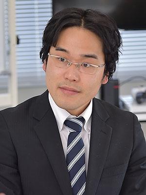 聞き手のトーマツ ベンチャーサポート事業統括本部長、斎藤氏(写真:菊池一郎)
