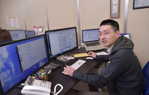 松田社長は会社を建て直すために、受注システムなども全面的に見直した(写真:菊池一郎)