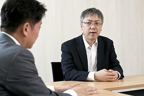 <b>山本 一郎(やまもと・いちろう)</b> 1973年、東京生まれ。1996年、慶應義塾大学法学部政治学科卒業。ベンチャービジネスの設立や技術系企業の財務・資金調達など技術動向と金融市場に精通。現在はデータビークル取締役、東北楽天ゴールデンイーグルス編成・育成データ担当。東京大学と慶応義塾大学で運営する政策シンクネット「首都圏2030」で研究マネジメントも手がける