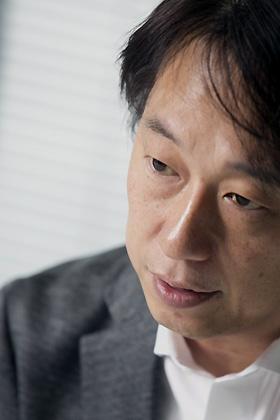 守安社長は謝罪会見前の12月5日深夜、本誌のインタビューに応じた(撮影:的野弘路)