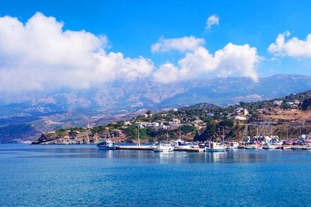 「死ぬことを忘れた人たちの住む島」と言われるギリシャ・イカリア島。(写真:salparadis/123RF)