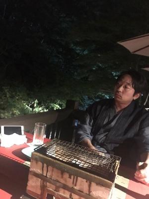 川のせせらぎを聴きながら、静かに夕食です。極上の食事をいただき、心も体も空に吸われそうでした