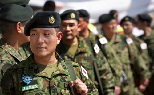 自衛隊に、対イスラム国の新たな任務が加わる日は来るか(写真:AP/アフロ)