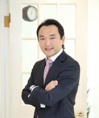 <b>居林 通</b>(いばやし・とおる) UBS証券 ウェルス・マネジメント本部 ジャパン・エクイティリサーチ・ヘッド エグゼクティブ ディレクター。1992年から2003年まで、国内大手投資信託にてアジア株および日本株のファンドマネージャーを歴任。その後2003年から2006年まで、ヘッジファンドにて日本株の運用などに携わった。2006年9月、UBSウェルス・マネジメント部門のアナリストとしてUBS証券に入社。富裕層顧客に向けて、日本の株式、経済動向を分析し、国内・海外に発信している。
