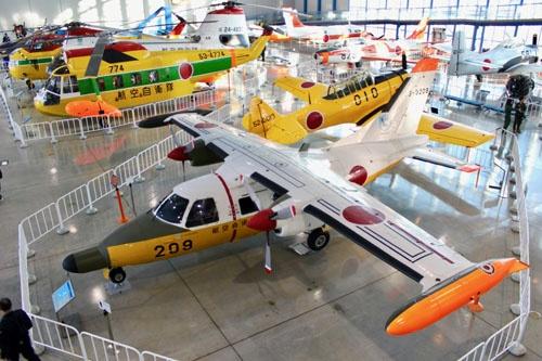 上から見たMU-2。機体サイズと比べて主翼が小さいことが分かる。この機体は航空自衛隊浜松広報館に展示されている救難捜索仕様のMU-2S(撮影:松浦晋也)