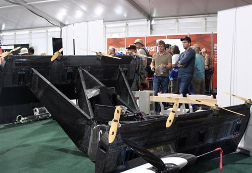 BlackFlyの試作機。2008年以来試作機による無人飛行を繰り返した上で有人バージョンを完成させている。すでに10年の開発実績を積みかさねているわけだ。