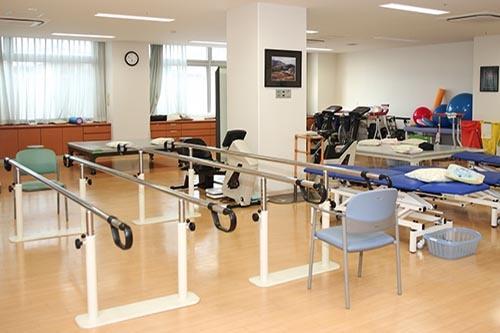 病院のリハビリルーム。※ 写真はイメージです