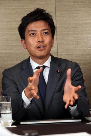 <b>小林史明氏(34)</b><br />2007年上智大卒、NTTドコモ入社12年衆院議員初当選、自民党青年局長代理。広島県出身。