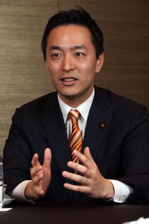 <b>村井英樹氏(36)</b><br />2003年東京大卒、財務省入省。12年衆院議員初当選、自民党副幹事長。埼玉県出身。