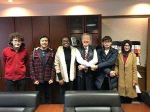 2018年1月11日に初めて学長室にAPUの学生が訪ねてきてくれました