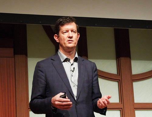 英Perform Group CTOのFlorian Diederichsen氏。アカマイ・テクノロジーズが2017年11月10日に開催したイベントの講演に登壇した