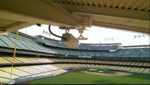 球場に設置された「FreeD」撮影用のカメラ(写真:インテル社)