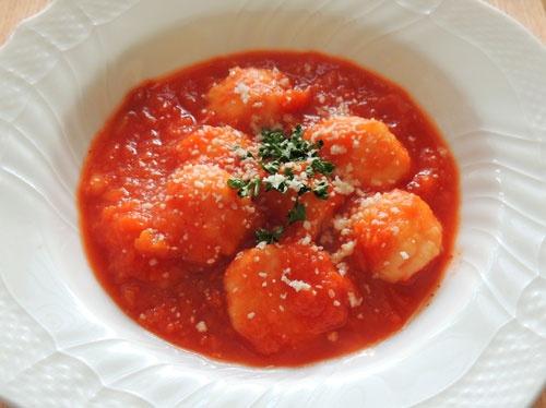 ふわふわ鶏団子のトマトソース煮