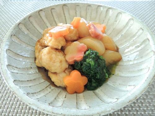 ふわふわ鶏団子と蕪の煮物